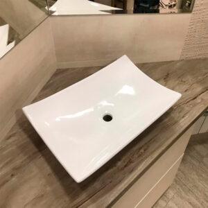 Раковина лепестком наружу для ванны