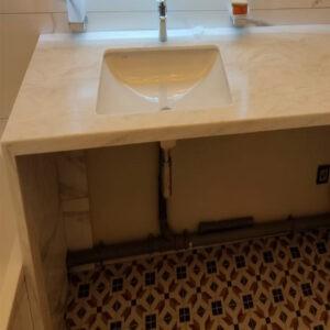 Столешница с интегрированной мойкой в ванную
